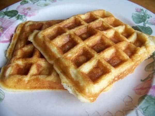 Low carb waffles almond flour