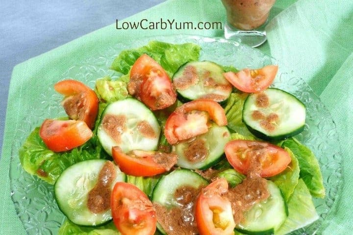 Salad with an easy blue cheese vinaigrette dressing