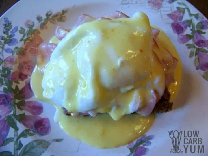 Low carb Eggs Benedict with Hollandaise sauce featured