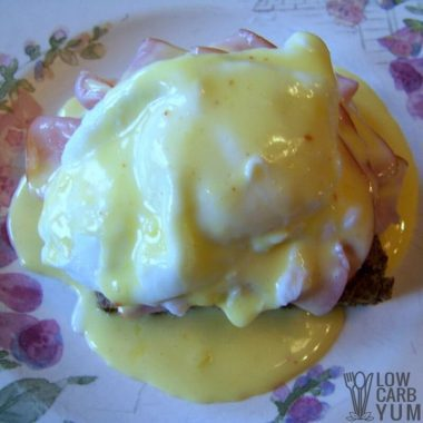 Low Carb Eggs Benedict with Hollandaise Sauce