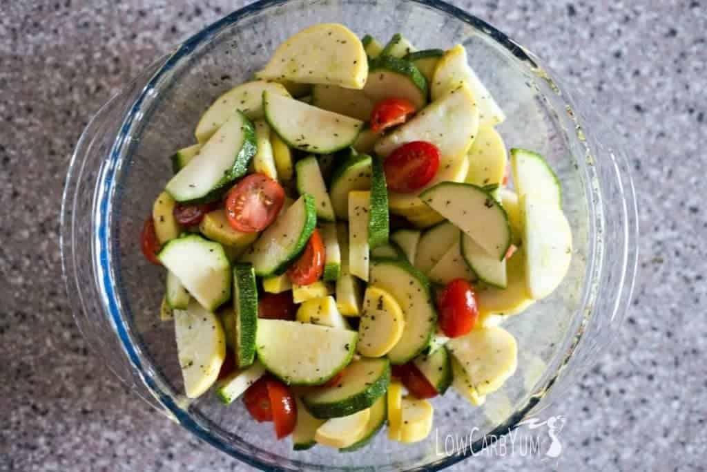 Low carb yellow summer squash zucchini tomato salad
