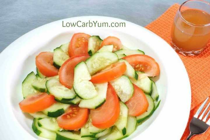 Low carb tomato cucumber vinegar salad featured
