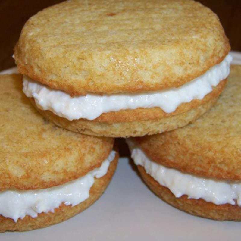 Low Carb Banana Whoopie Pies with Coconut Filling