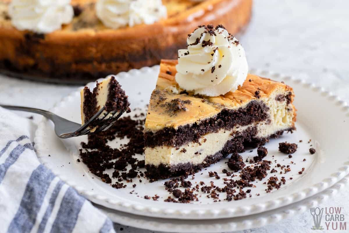 keto cookies and cream cheesecake fork slice