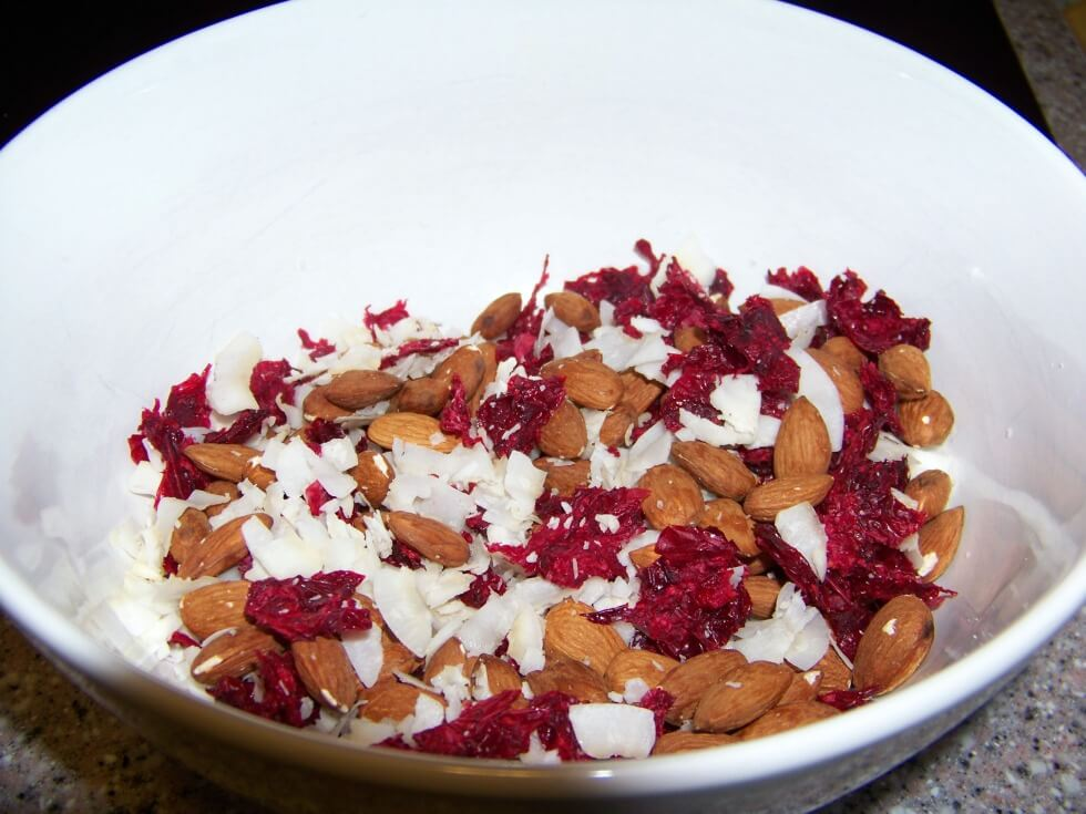 Low carb candied cranberry nut snack mix