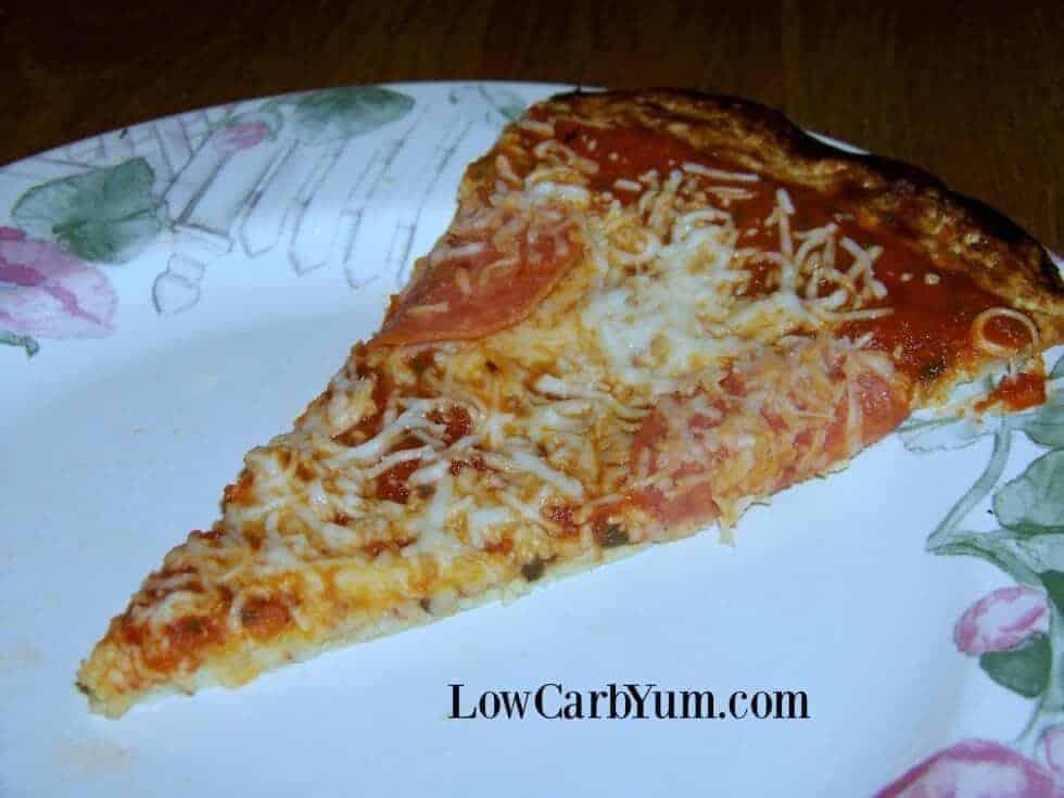 Low carb cauliflower pizza crust