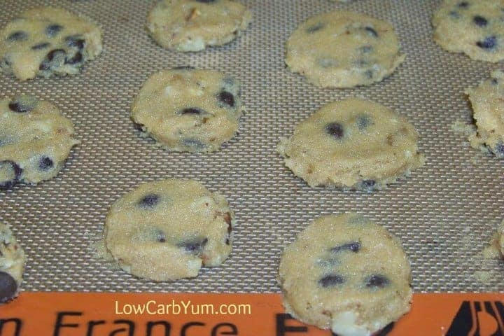 low-carb gluten-free chocolate chip cookies unbaked