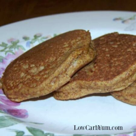 Low carb pumpkin pancakes almond flour