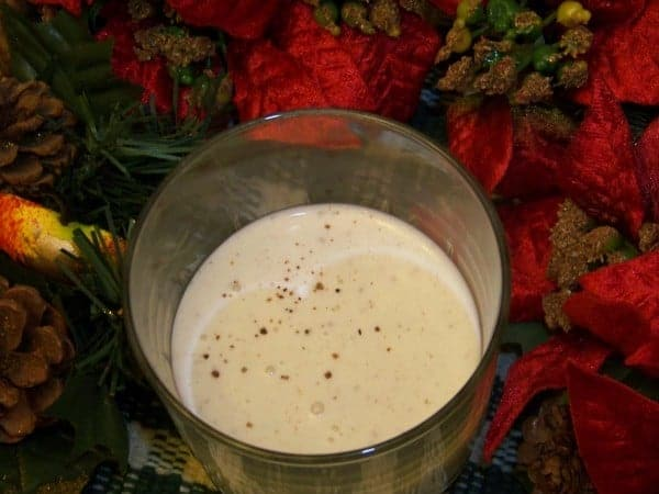A sugar free eggnog recipe that uses a mix of stevia and erythritol as the sweetener. It's made with a combination of low carb heavy cream and almond milk.