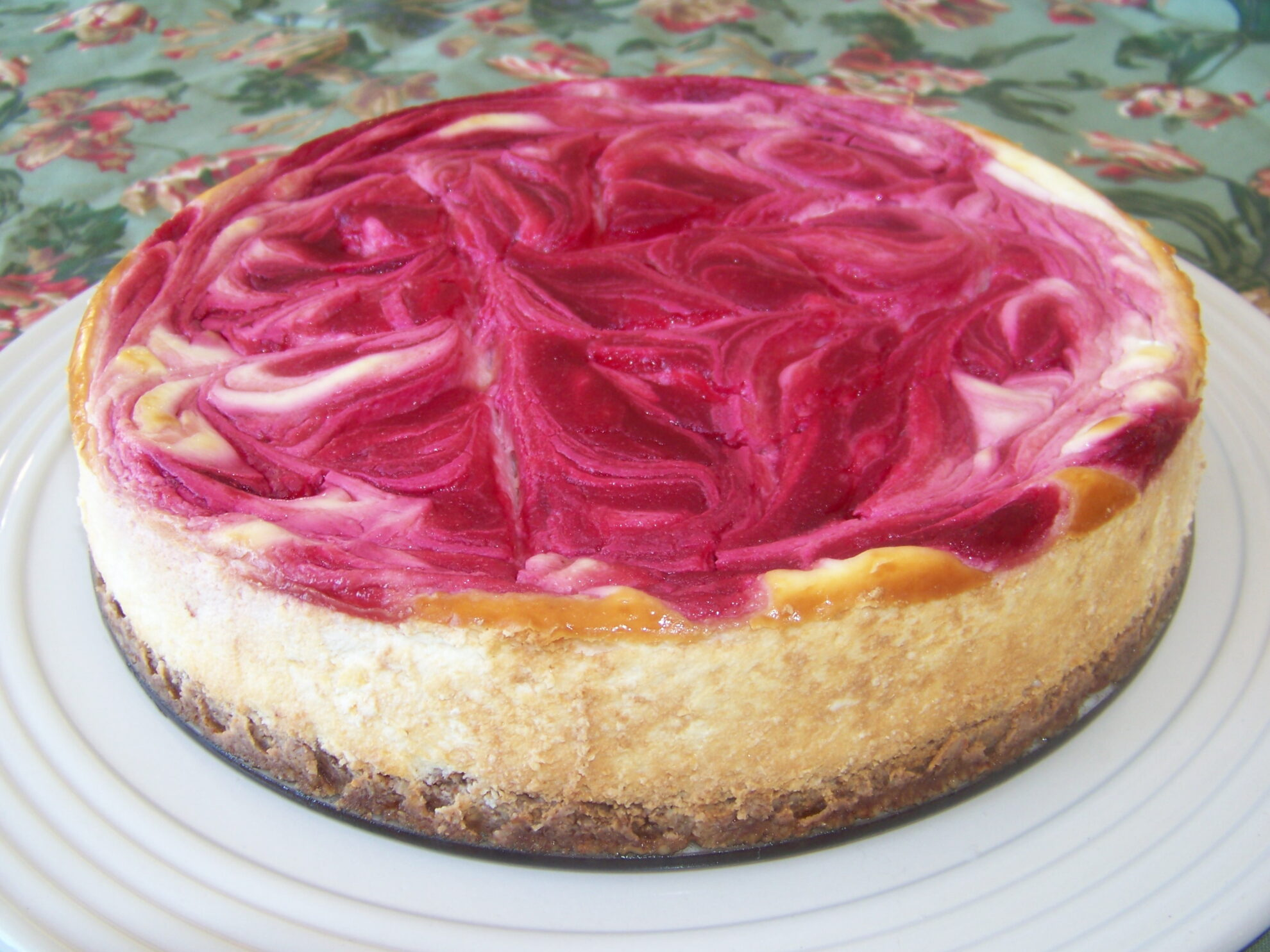 Cranberry Swirl Cheesecake | Low Carb Yum
