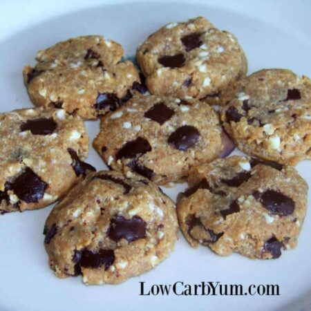 Keto flourless peanut butter chocolate chip cookies