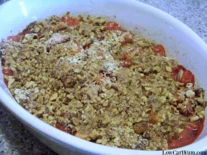 Easy Strawberry Rhubarb Crisp - Gluten Free | Low Carb Yum