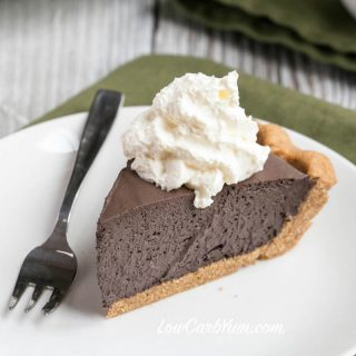 Easy Chocolate Mousse Pie with Peanut Crust – Sugar Free