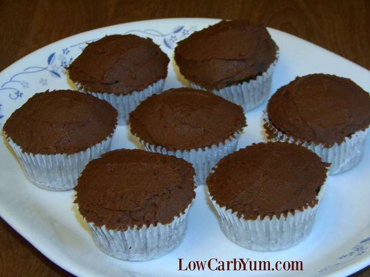 Chocolate cupcakes peanut flour recipes