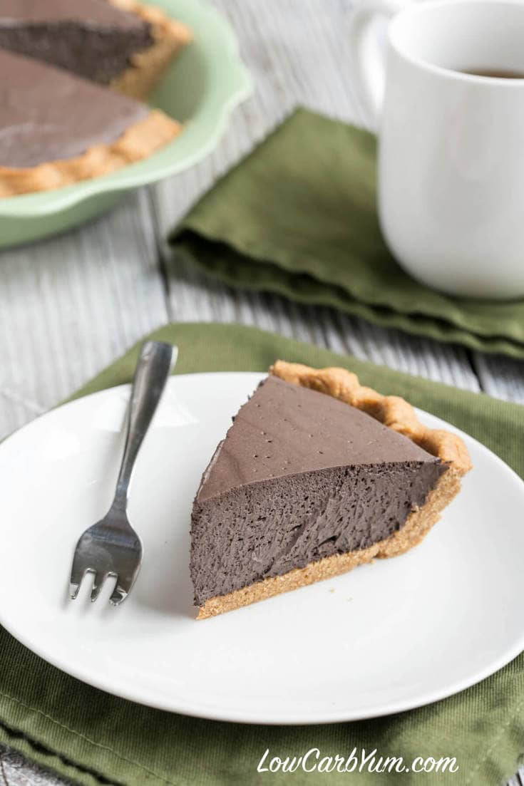 Low carb dark chocolate mousse pie with peanut flour crust