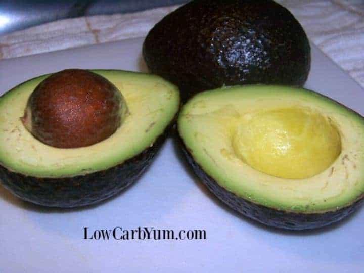 Paleo chocolate avocado pudding