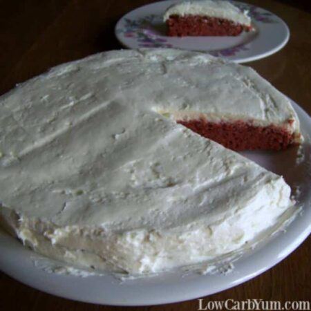 Low carb sugar free red velvet cake