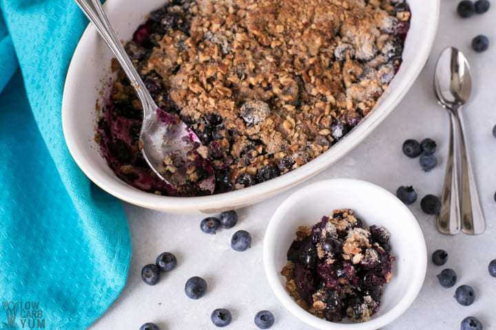 Healthy gluten free blueberry crisp