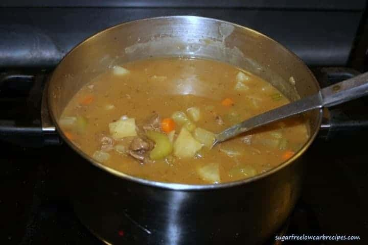 Making easy low carb beef stew