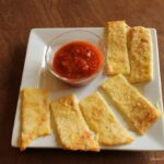 low carb crazy cheese bread marinara sauce