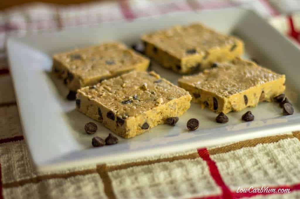 No Bake Chocolate Chip Cashew Butter Bars | Low Carb Yum