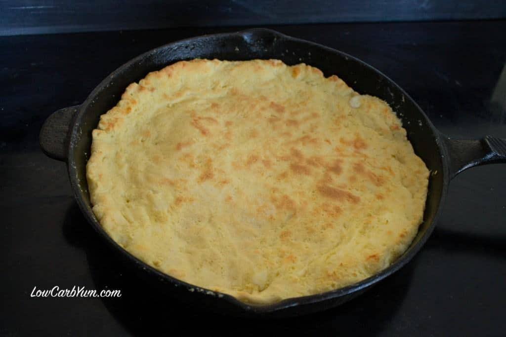 deep dish cast iron skillet pizza crust