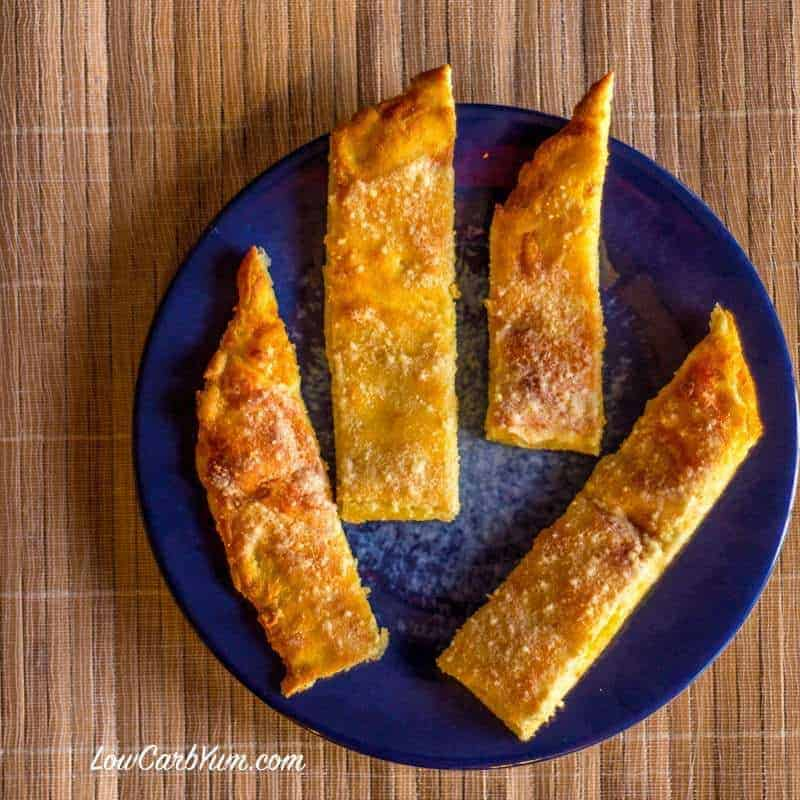 Cheesy Low Carb Garlic Bread Sticks – Gluten Free