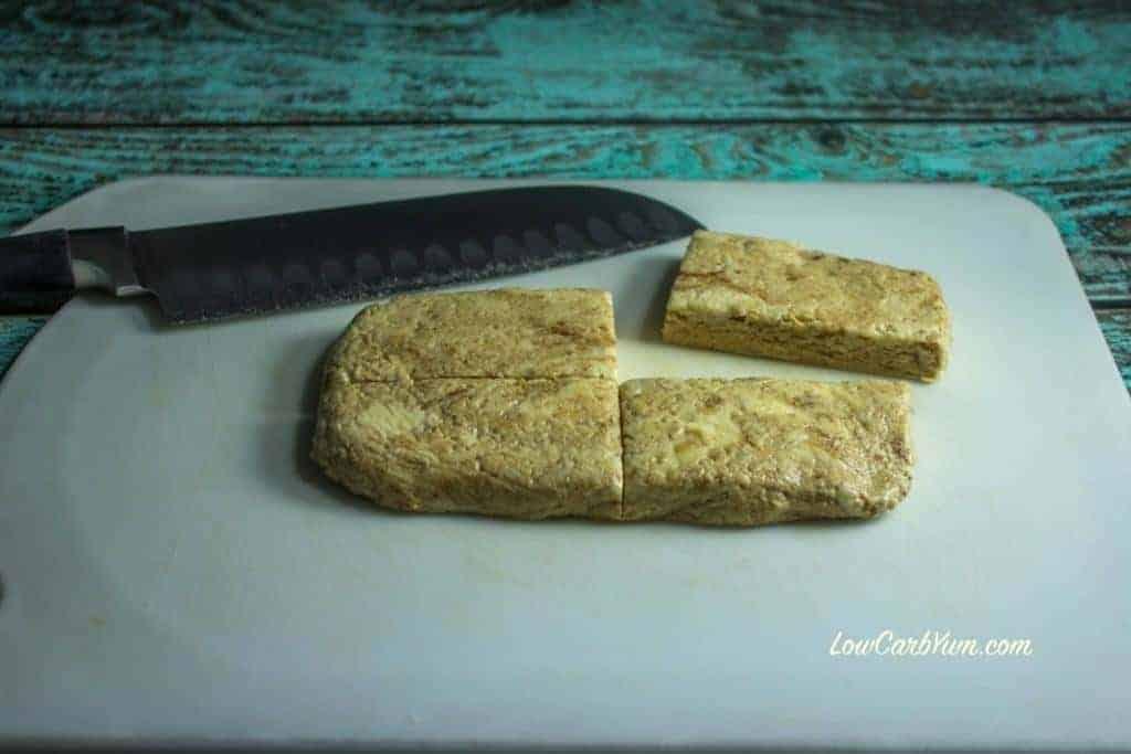 homemade cinnamon bun quest bars cut