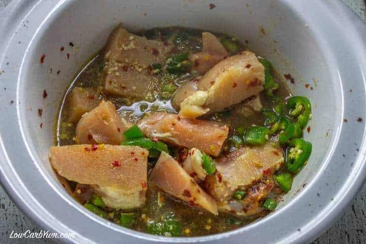 Spicy crockpot chicken chili stew