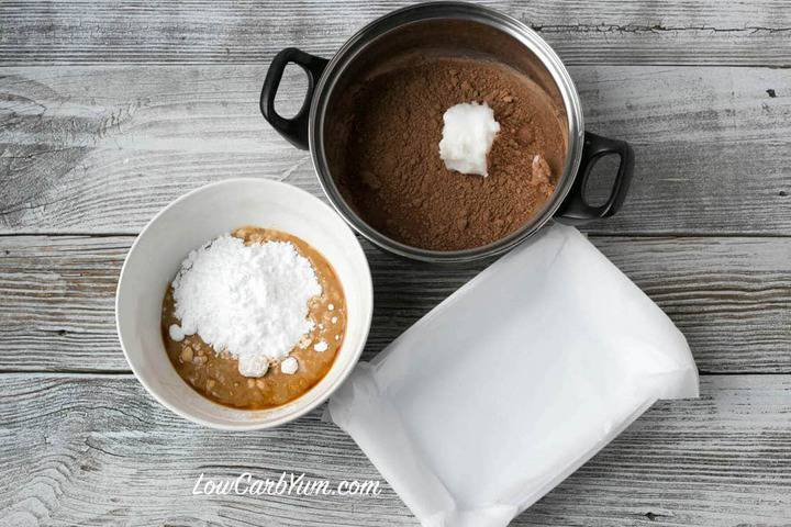 Low Carb dairy-free easy chocolate peanut butter fudged