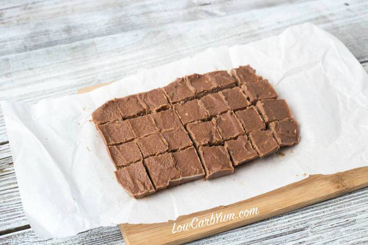 Dairy-Free Chocolate Peanut Butter Fudge | Low Carb Yum