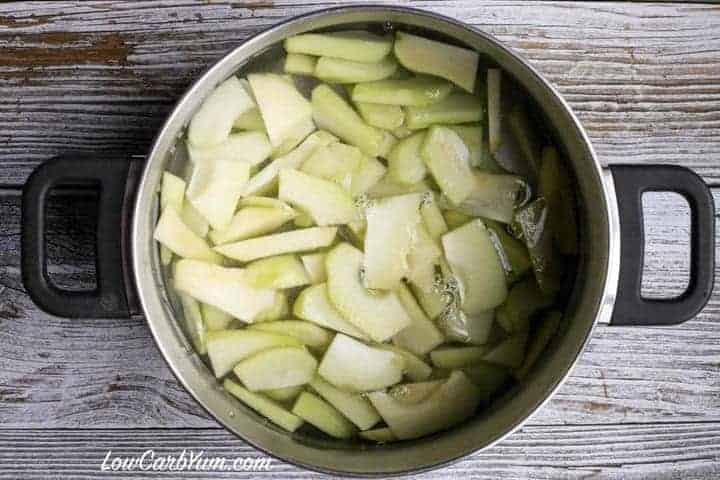 Boiling chayote squash for low carb mock apple pie