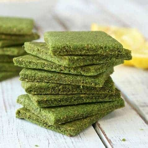Low carb appetizer - spinach chips