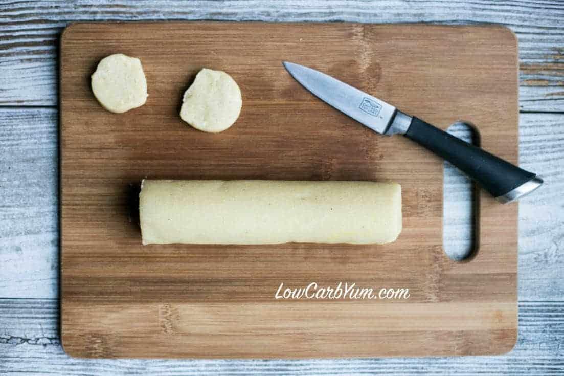 slicing dough log