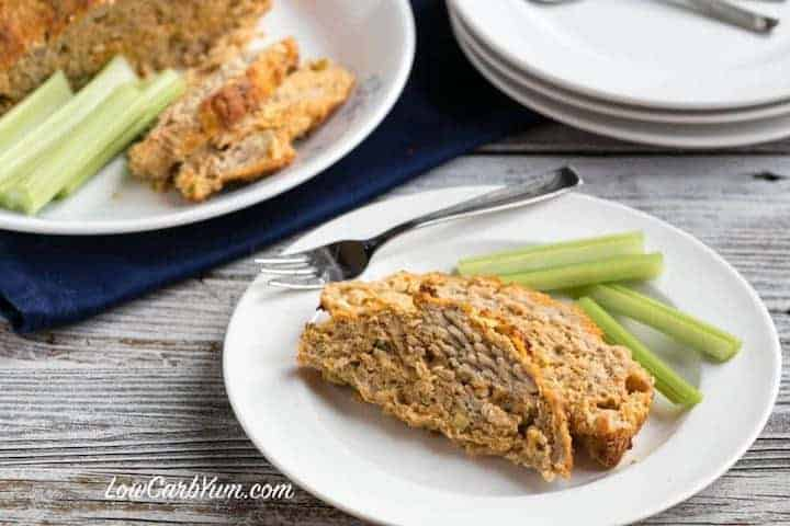 Tasty low carb buffalo chicken meatloaf