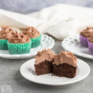keto chocolate cupcakes nutella frosting