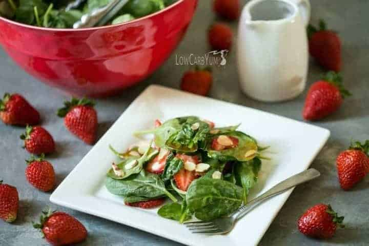 Low carb spinach strawberry salad with red wine vinaigrette dressing