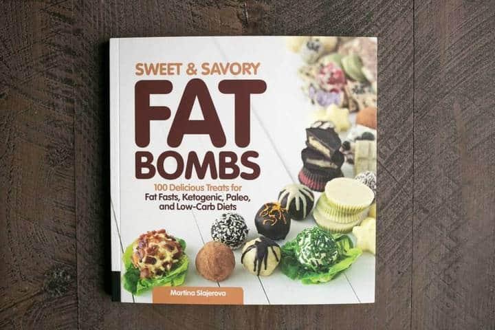 Low carb cheesy jalapeño fat bombs
