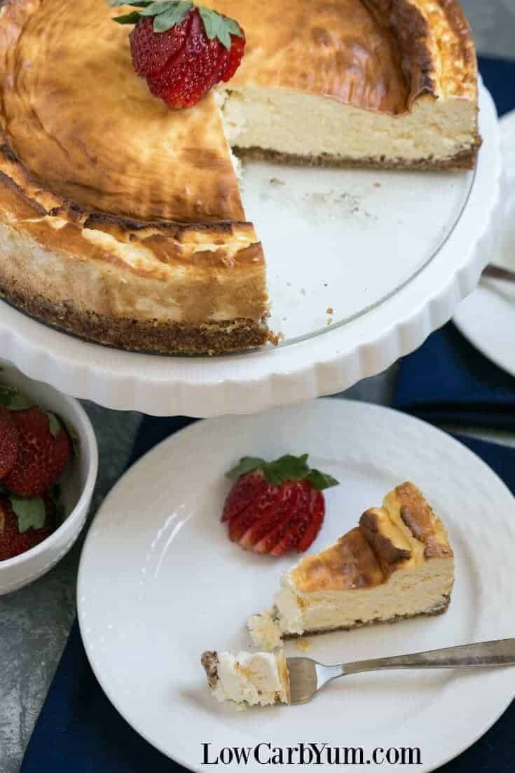 A simple New York style low carb keto cheesecake that doesn't require any special ingredients. Eat it plain or dress it up with fresh berries. | LowCarbYum.com