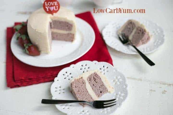 27 Low Carb Mug Cake Recipes: Strawberry Coconut Flour Mug Cake - Paleo