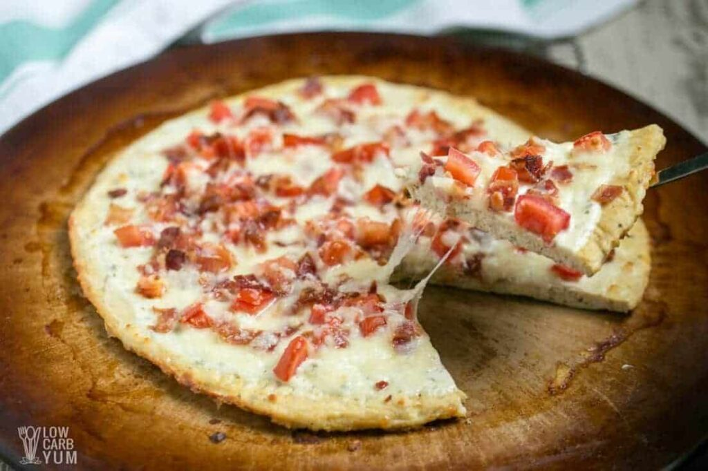 Sliced bacon ranch chicken crust pizza