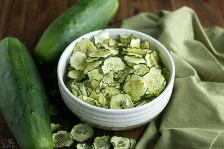 baked cucumber chips recipe - salt and vinegar flavor