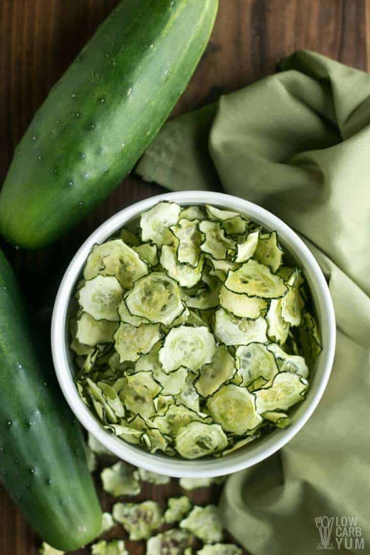 Simple baked cucumber chips recipe