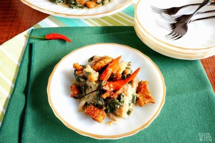 Paleo coconut creamed spinach with pork crackling