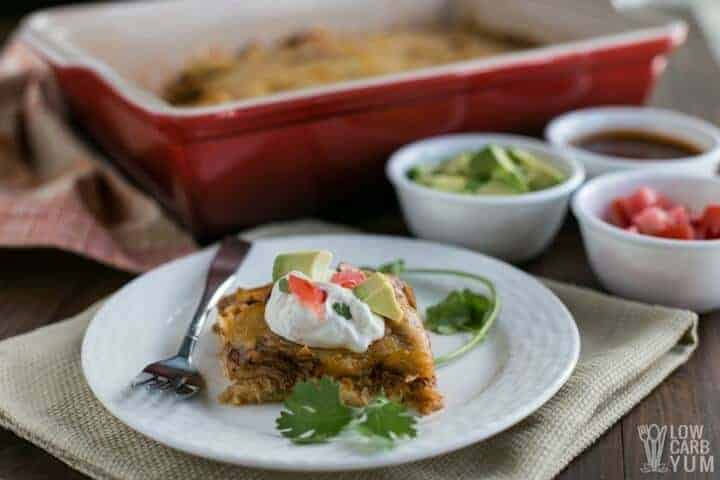 Simple keto low carb chicken enchilada casserole
