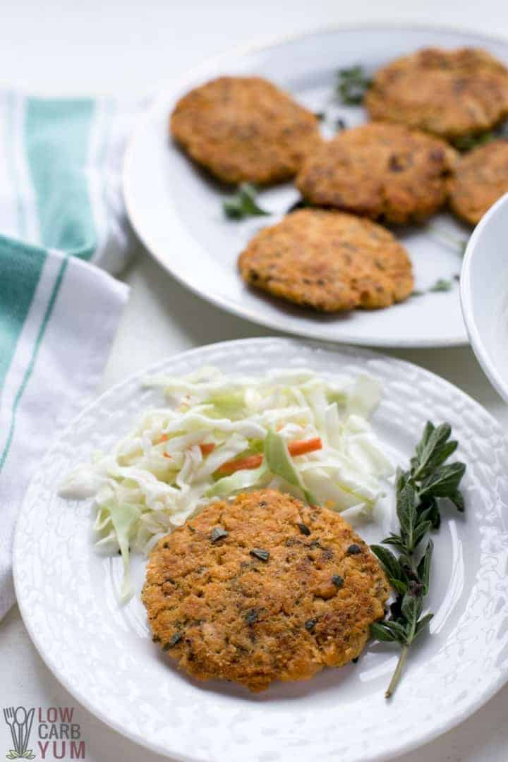 An easy low carb keto salmon patties recipe