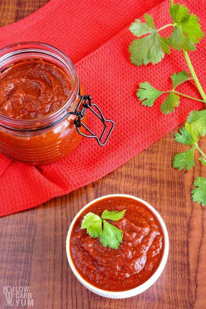 A simple homemade sugar free ketchup recipe