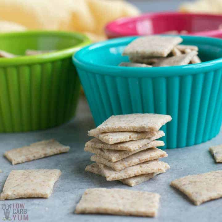 Crunchy keto low carb crackers