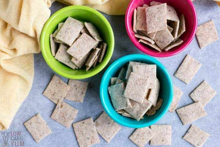 Almond flour keto low carb crackers