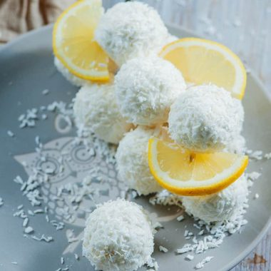 Easy keto lemon coconut cream cheese balls